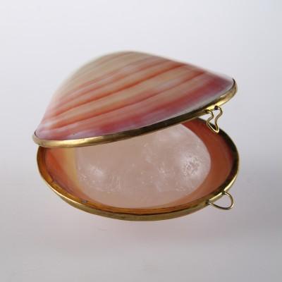 Tawas Crystal Кристалл в тихоокеанских раковинах и пакете РОЗОВЫЕ (65-70 гр)